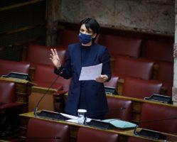 Ο λαλίστατος κατά το παρελθόν κ. Γεωργιάδη, σήμερα δηλώνει αναρμόδιος για τα Πετρέλαια